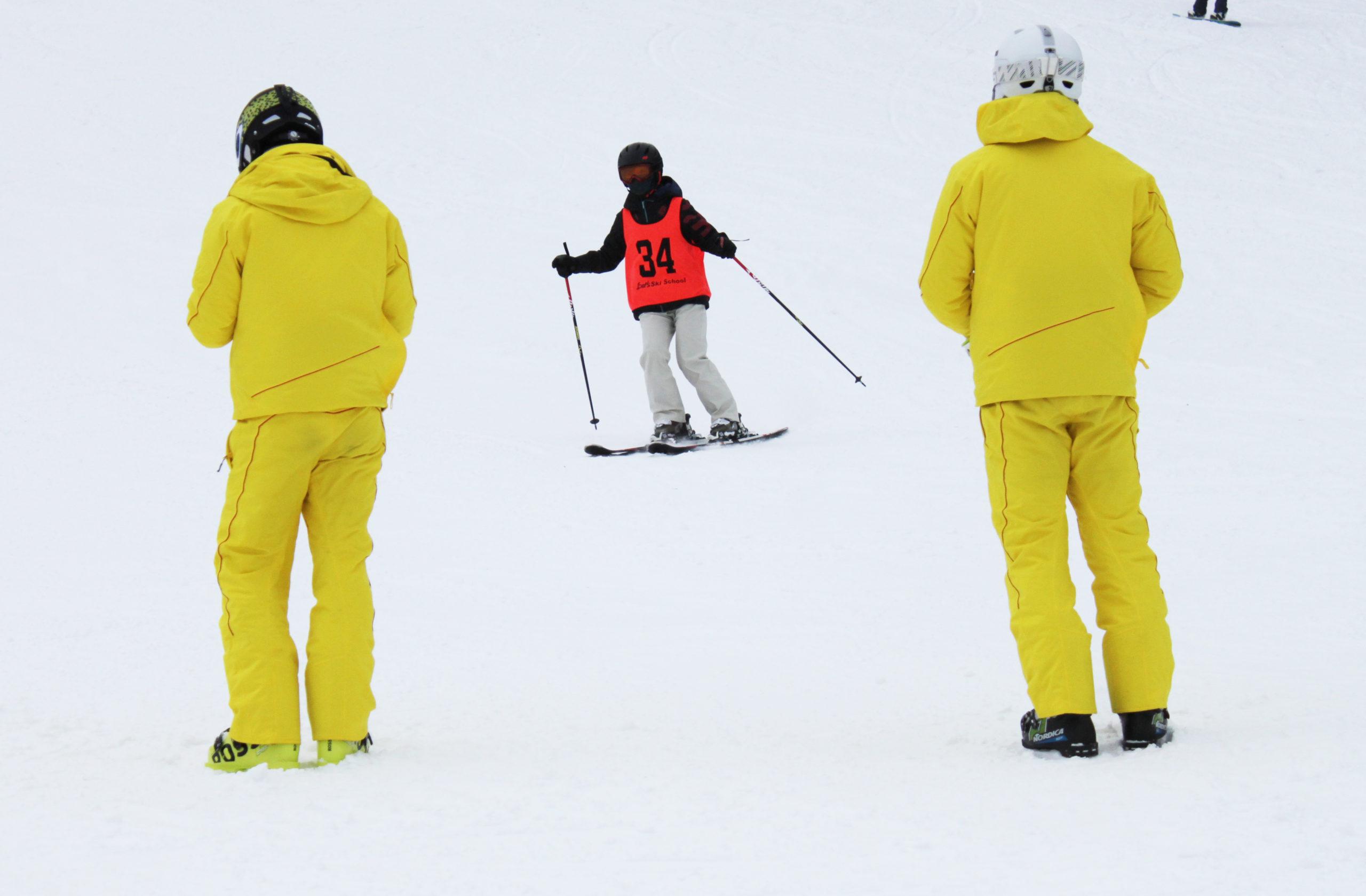全日本スキー連盟公認バッジテストのご案内